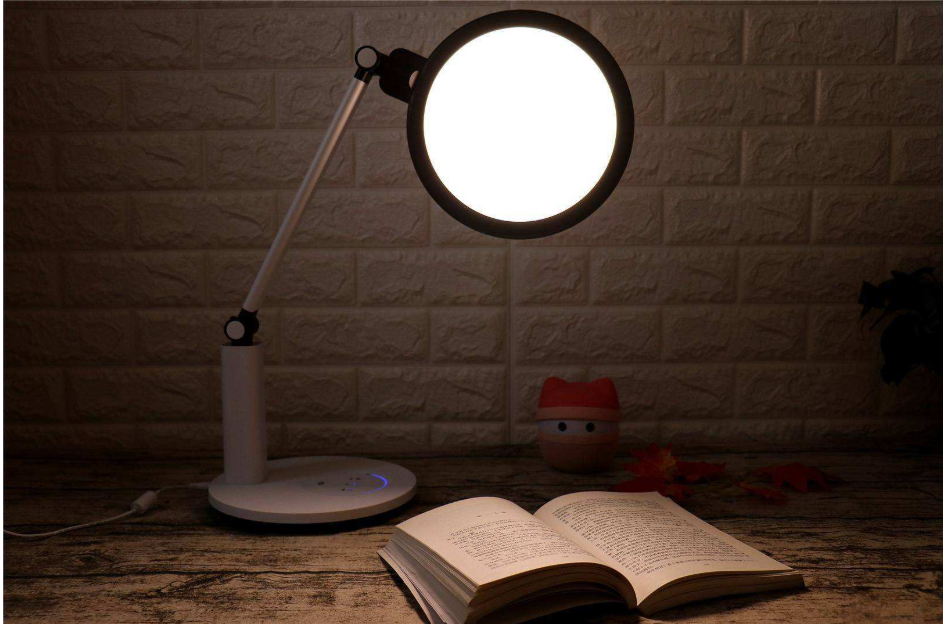 LED台灯导光板