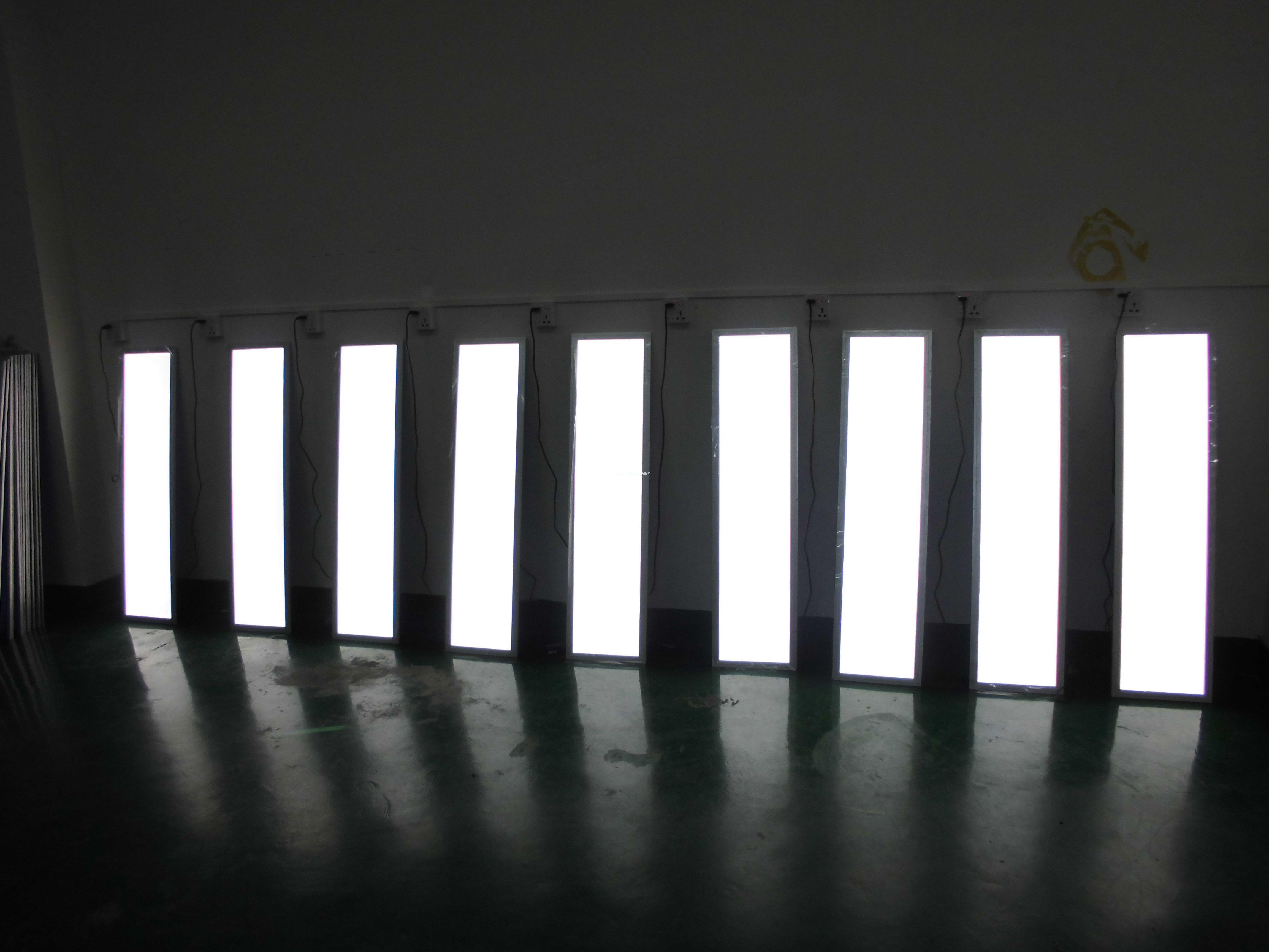 300*1200*9MM工程照明面板灯
